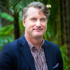 Associate Professor Derek Arnold