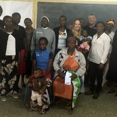 Divna with parents in Africa