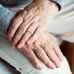 Boosting neuroplasticity in elderly participants